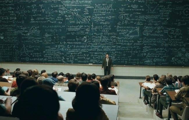 Известен лектор започнал семинара си в зала с 200 човека,100-доларова банкнота в ръка и попитал..