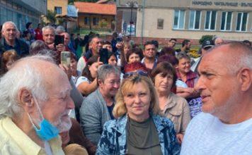 """Какво може да си купи един пенсионер с 50-те лева от Бойко Борисов? Той иска да чуе """"ДОБРЕ Е!"""""""