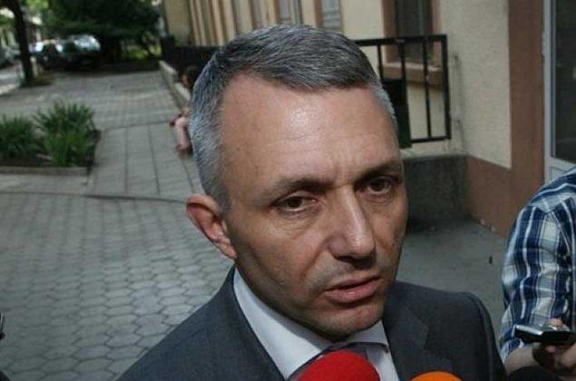 Адв. Хаджигенов: Борисов вече е паднал от власт, но само той не го знае