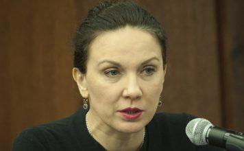 А. Първанова: Никой в България не е ваксиниран като хората. За този хаос трябва да се търси отговорни