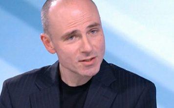 Петър Чолаков: Виждам три сценария, най-вероятен е служебен кабинет на Румен Радев