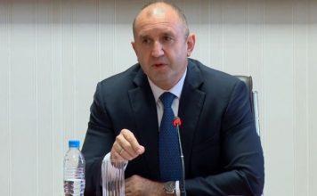 Радев поема властта в държавата, във вторник България се разделя с управлението на Борисов