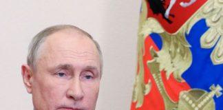"""Путин: Русия ще """"избие зъбите"""" на всеки, който се опита да """"отхапе"""" от нея"""