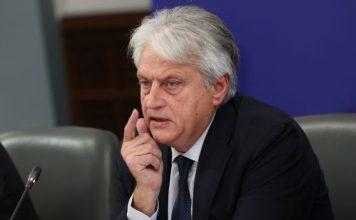 Бивш министър на МВР и областен в завера за внос на 15 000 гласа от македонци