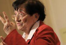 Мика Зайкова: Дебили да бяхме, нямаше да стигнем до трети избори! Кокошките ни се смеят!