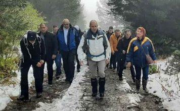С поход към Черни връх Радев и Йотова откриха кампанията си… СНИМКИ
